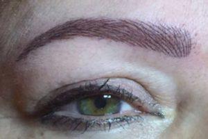 Augenbrauen in natürlicher Perfektion
